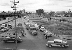 El cruce de la Calzada de la Viga y la Calzada Chabacano, México D.F. alrededor de 1960.
