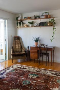 Fall 2020 One Room Challenge: Shelves and Rug Update | My Breezy Room Paint Furniture, Home Decor Furniture, Home Decor Bedroom, Room Decor, Diy Home Decor Projects, Fall Home Decor, Living Room Modern, Home And Living, Mid Century Modern Decor