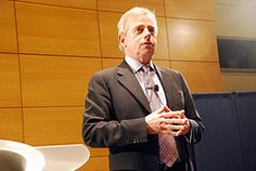 Richard Ward, CEO of Lloyd's of London, speaks at Wharton on November 12, 2009 as part of the Wharton Leadership Lecture Series.
