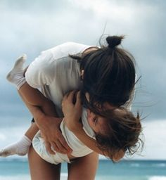 a mother's love-One day when I become a photographer (hopefully), these are the kinds of shots I'd like to focus on. So beautiful. Family Goals, Family Love, Best Shoes For Travel, Kind Photo, Poses Photo, Mothers Love, Mother And Child, Mommy And Me, Belle Photo