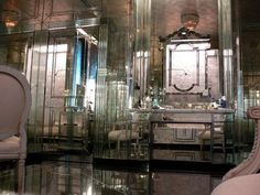 architect design™: Mirrored Walls. Bathroom.