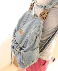 Absolutely love this look Denim Backpack, Recycle Jeans, Recycled Denim, Cool Backpacks, Fabric Bags, Cute Diys, Christen, Designer Wear, Blue Denim