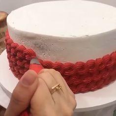 Buttercream Cake Designs, Cake Decorating Frosting, Creative Cake Decorating, Cake Decorating Videos, Cake Decorating Techniques, Cake Icing, Creative Cakes, Cookie Decorating, Cupcake Cakes