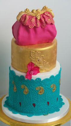 Arabic cake, made with mold Raisa from precious.