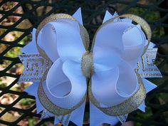 White and Gold Boutique Stacked Hair Bow 4 inch Diy Hair Accessories Ribbon, Diy Hair Bows, Cheer Bow Tutorial, Stacked Hair, Christmas Hair, Boutique Hair Bows, Ribbon Bows, Grosgrain Ribbon, Princesses