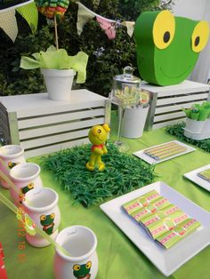 3rd Birthday Parties, Decor Crafts, Home Decor, First Birthdays, Mickey Mouse, Table Decorations, Party, Kids, Frogs