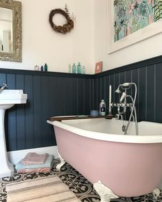 Instagrammer 'faulk.house2home' has used shade Thundercloud to give her bathroom a dramatic makeover.