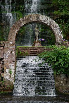 Waterfall Arch, Corby Castle, Lake District, England  photo via soul