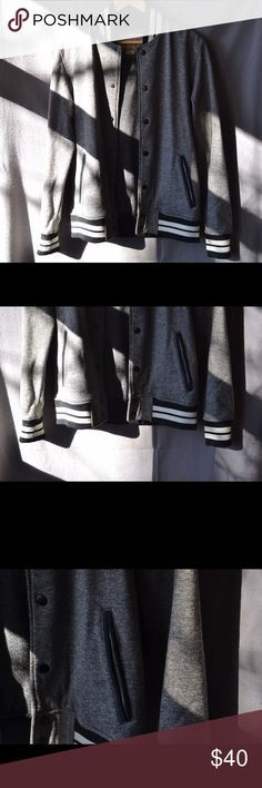 Classic Baseball Varsity/Bomber Jacket, S Made of a soft sweatshirt material. Men's small so would fit like a medium/large in women's. Super classic look. In perfect condition. Vintage Jackets & Coats Bomber & Varsity
