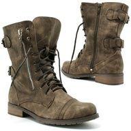 military boots. these one exactly. Bojové BotyOděvPánské ... 315d0eb8b8