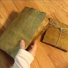 Bookbinding Tutorial: The Romantic Art Journal - Handgemaakte boeken, Boekbinden en Papier maken Paper Bag Books, Diy Paper Bag, Paper Bag Crafts, Paper Bag Album, Journal Paper, Book Crafts, Art Journals, Junk Journal, Education Journals