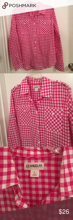 Magellan Printed Button Down In great pre-owned condition. No trades. Reasonable offers only. magellan Tops Button Down Shirts