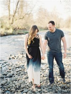 Oregon Film Maternity Photography by Laura Nelson, featured on The Fount Collective, http://thefountcollective.com