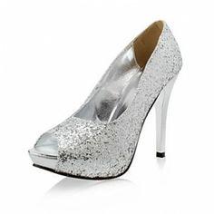 http://zapatosdefiestaonline.com/2013/12/05/zapatos-de-fiesta-plateados/