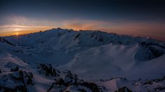 Favorite spot to watch the sunrise and spend time appreciating everything. Garibaldi Provincial Park Whistler B.C. Canada (OC)[4000x2248]