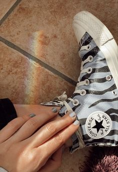 Converse All Star, Converse Chuck Taylor High, Converse High, High Top Sneakers, Chuck Taylors High Top, High Tops, Ootd, Passion, Stars