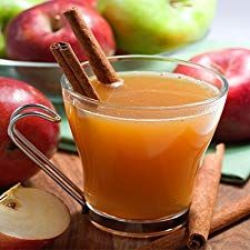 This rum spiced apple cider is perfect for a cool fall evening. By simmering the apple and cloves with the cider, it makes the flavors deeper and richer. Best Apple Cider, Spiked Apple Cider, Spiced Cider, Apple Cider Vinegar, Wassail Recipe Apple Cider, Thanksgiving Drinks, Christmas Drinks, Holiday Drinks, Christmas Brunch
