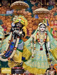 Hare Krishna Temple, Krishna Art, Radhe Krishna, Shiva Shakti, Samurai, Dress Designs, God, Heart, Flowers