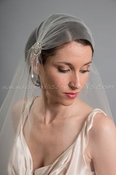 I think I need this  Great Gatsby Wedding Veil 1920s Inspired by brendasbridalveils, $149.95