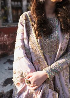 Chat with fashion consultant Name Email Phone Number Message Pakistani Formal Dresses, Pakistani Fashion Casual, Pakistani Wedding Outfits, Pakistani Dress Design, Bridal Outfits, Indian Fashion, Wedding Dresses, 70s Fashion, Fashion Online