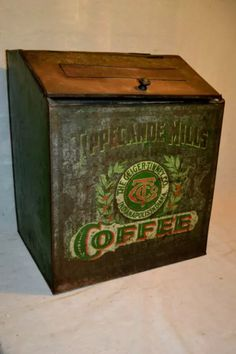 Antique Coffee Grinder, Coffee Grinders, Vintage Tins, Vintage Coffee, Tin Boxes, Wooden Boxes, Coffee Advertising, Shabby, Coffee Tin