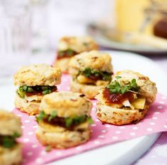 These scrummy spring onion and bacon scones can be served on their own as a snack or as part of a buffet or party food selection.
