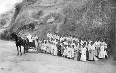 San Fernando in La Union, circa 1900 #kasaysayan#pinoy#classpicture San Fernando, Class Pictures, Vintage Artwork, School Photos, Antique Photos, Pinoy, Philippines, Mount Rushmore, Explore