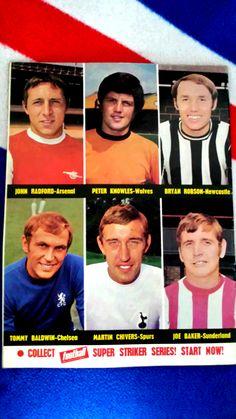 Joe Baker, Bryan Robson, Sunderland, Newcastle, Magazines, Chelsea, November, Football, Baseball Cards
