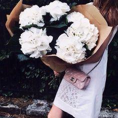 Thursday Inspo // 18 - Bella to Bella: Chanel, Flowers, Bouquet, Pretty