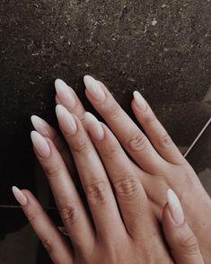 dar forma a las uñas naturales de almendras ~ shaping natural nails almond ~ formung natürlicher nägel mandel Natural Almond Nails, Long Almond Nails, Almond Shape Nails, Almond Acrylic Nails, Cute Acrylic Nails, Long Nails, Cute Nails, Pretty Nails, Long Natural Nails