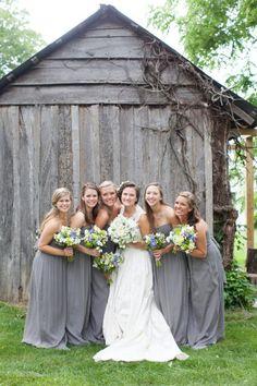 cute bridesmaids pic!