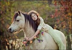 Woodland fairytale. I wanna do a photo shoot thing like this with a horse.❤️
