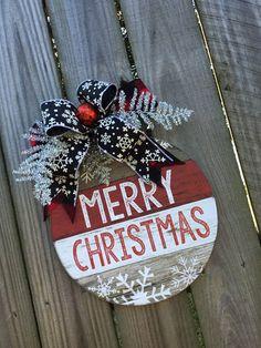 Ornament wall decor~Ornament door hanger~Ornament decor~Christmas decor~Rustic door hanger~Rustic do Noel Christmas, Christmas Signs, Christmas Wreaths, Christmas Ornaments, White Christmas, Holiday Signs, Christmas Quotes, Christmas Projects, Holiday Crafts