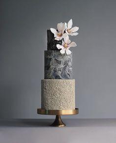 Gorgeous Wedding Cake Fresh Flowers Combo You Will Love Unusual Wedding Cakes, Elegant Wedding Cakes, Elegant Cakes, Beautiful Wedding Cakes, Wedding Cake Designs, Beautiful Cakes, Luxury Cake, Wedding Cake Fresh Flowers, Modern Cakes