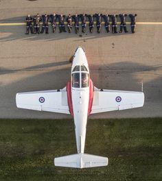 Royal Canadian Navy, Canadian Army, Military Jets, Military Aircraft, High Flight, Aircraft Photos, Air Planes, Training Day, Big Bird