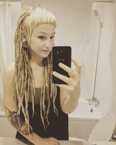 The toilet water does go the opposite way here in the northern hemisph… - Modern Dread Hairstyles, Cool Hairstyles, Dreads Styles, Hair Styles, Short Mullet, Overprocessed Hair, White Dreads, Dreadlocks Girl, Tangled Hair