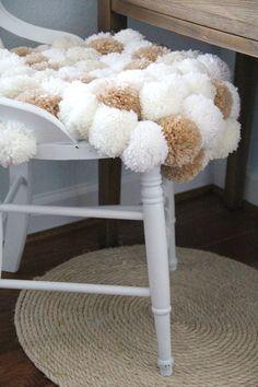 DIY: pom pom chair