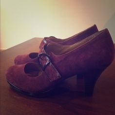 Aubergine suede Mary Janes, retro style Beautiful purple suede Mary Janes, 2 inch heels, with patent leather detail Sofft Shoes Heels