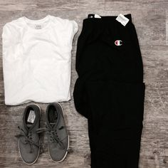 What's better than sleeping in on a Sunday? Knowing it's a long weekend so you can do it again tomorrow! #CanadianLongWeekend #PlatosClosetNewmarket #gentlyused #sundaystyle #shabbychic // #Polo shoes, men's Size 8.5, $30 // Polo shirt, Size M, $8 // #Champion pants, Size XXL, $14 //