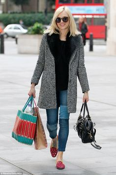 The Essentials: Fall Denim Every Woman Should Own-The Patchwork Jeans Bored of your regular skinny jeans? Trade them in for patchwork jeans like Fearne Cotton, a fun twist to your everyday staple. 60 Fashion, Winter Fashion, Celebrity Jeans, Fearne Cotton, Gamine Style, Patchwork Jeans, Inspirational Celebrities, Denim Trends, Fashion Articles