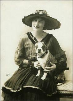 Actress Julia Sanderson with her Bulldog