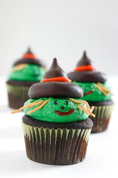 Halloween Recipes : Witch Cupcakes