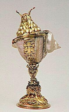 goblet-shaped  gold snail shell and cover  	17th Century  Ecouen; National Museum of the Renaissance