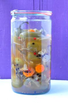 It started with this beautiful Weck canning jar and me wondered what to fill it with. Canning Jars, Canning Recipes, Mason Jars, Pickling Jalapenos, Enchanted, Pickles, Spoon, Skinny Jeans, Foods
