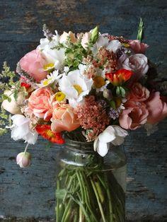 peachy wedding flowers August from Catkin www.catkinflowers.co.uk