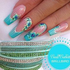 French tip nails are chic, delicate and gorgeous. It is a classic nail art design type, in recent years it has become the trend of nail art design. The history of French tip nails was first used by French models to make them look clean and beautiful. French Tip Nail Designs, French Tip Nails, Nail Art Designs, Fancy Nails, Bling Nails, Swag Nails, Beautiful Nail Art, Gorgeous Nails, Pretty Nails