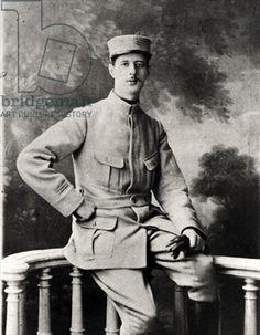 Portrait of Captain Charles de Gaulle (1890-1970) c.1915-16 (b/w photo)