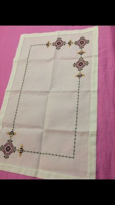 Yapilacak Embroidery Stitches, Hand Embroidery, Embroidery Designs, Cross Stitch Patterns, Wallpaper, Crochet, Table Runners, Cross Stitch Flowers, Hand Embroidery Stitches