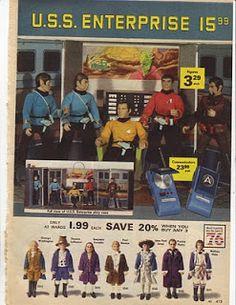 1976 ALL (Montgomery) Wards Christmas Catalog Page - U. Enterprise Playset and Star Trek Action Figures, Communicators (Walkie Talkie) Star Trek Toys, Star Trek Action Figures, Star Wars, 1970s Toys, Retro Toys, Vintage Toys, 1960s, My Childhood Memories, Childhood Toys