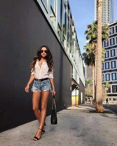 @shaymitchell #celebstyle #celebrity #moda #modafeminina #estilo #instalook #instafashionista #instamoda #styleinspo #style #stylish #fashioninsta #fashion #lookbook #look #lookoftheday #dailyoutfit #oufitinspirations #oufit #oufitoftheday #fashionstyle #fashiongirl #fashiongram #fashionlovers #fashiondiaries #fashiondaily http://tipsrazzi.com/ipost/1508408494662214280/?code=BTu8Yi0heKI